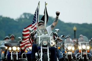 2-million-bikers-with-flag-600